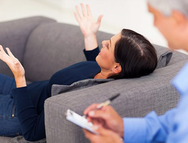 Atendimento Clínico: individual (presencial), casal, família e grupo (online)